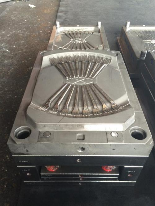 Disposable plastic fork mold injection molding machine mold