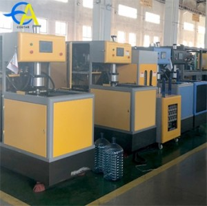Good quality automatic servo motor blowing machine for pet preform