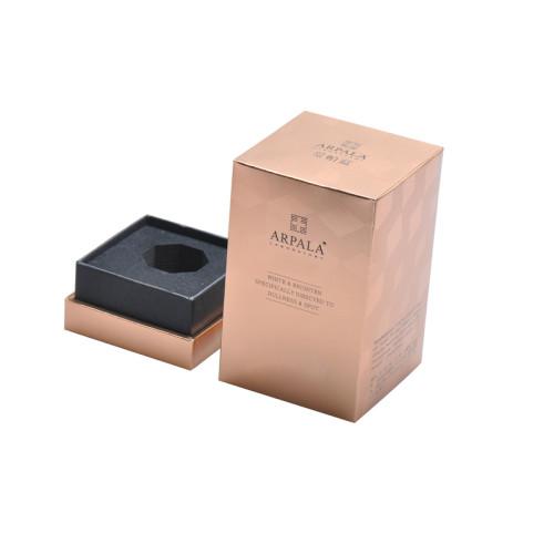Idee di design per imballaggi di profumi in cartone di lusso con varie linee uv e effetto opaco
