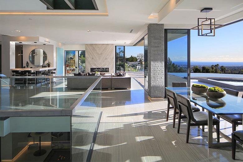 Linda Flora Modern Residence open-plan living room