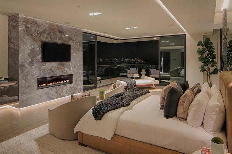 Linda Flora Modern Residence master bedroom design