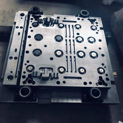 Hervorragendes Material und hochpräzise CNC-Bearbeitung Stanzzubehör