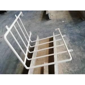Barandilla con plataforma de estructura de acero para trabajos al aire libre