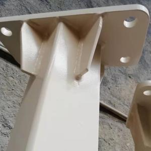 Stellen Sie verschiedene Größen von geschweißten Stahlsäulen- und Stahlstrukturverbindern bereit