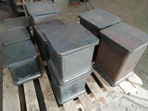 专业制造承重能力强的焊接钢架台连接柱