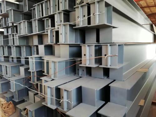 钢框架梁、柱采用砼浇筑多种截面形状的结构建筑
