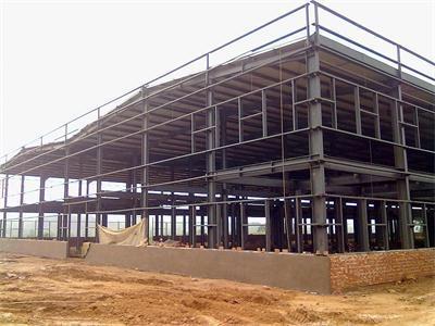 Was sind die Vorsichtsmaßnahmen für die Stahlkonstruktion?