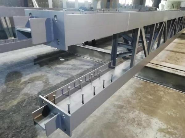 Steel struture Lattice column with strong axis connection of steel beam and steel column