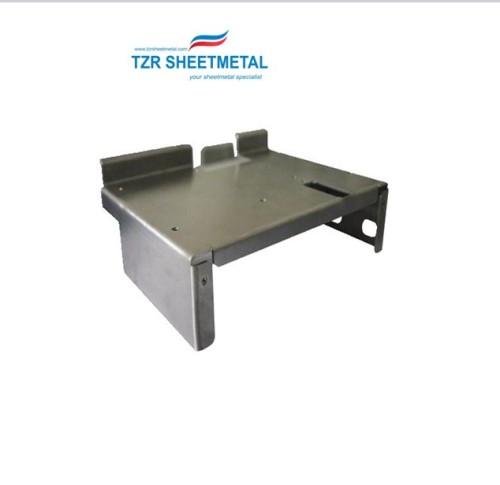 Blechkasten zur Herstellung von Blechkasten-Sicherheitsnetzteilen
