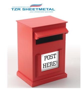 Moderner an der Wand befestigter Briefkasten mit kundenspezifischem Logo