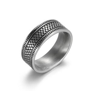 anillo de acero inoxidable antiguo grabado de plata