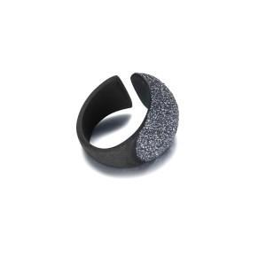 Anello nero in acciaio inossidabile blu polvere minerale
