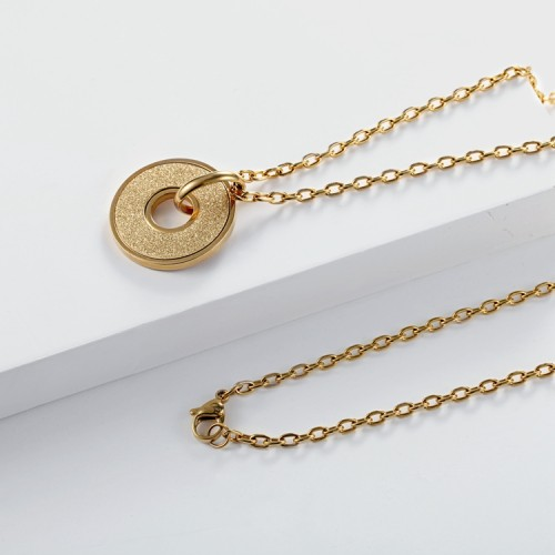 Collier avec pendentif émeri plaqué or 18 ct