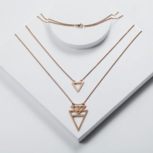 Collier superposé avec pendentif triangle géométrique en acier inoxydable