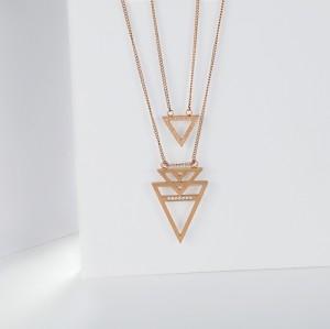 Розовое золото из нержавеющей стали с геометрическим треугольником