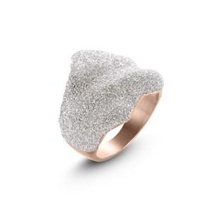White Wavy Ring