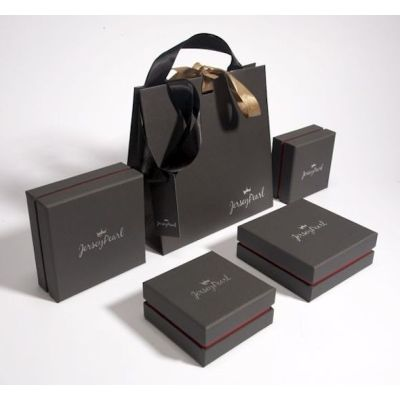 Eco-friendly rivet women shopping Kraft paper bags for cosmetics