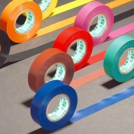 Выставка клейкой ленты в Индии