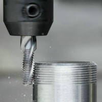 The most commonly uesd methods of thread processing in CNC machining centers