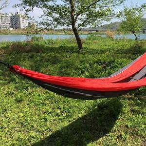 2019 High quality Outdoors Backpacking Survival or Travel Single Nylon Hammock 150kg