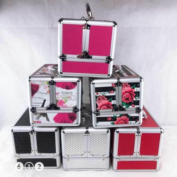 2019年新款定制设计便携铝合金盒化妆品铝盒美容盒促销