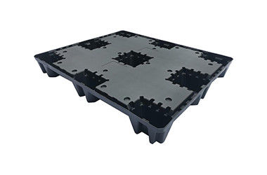 Injection molded HDPE pallet