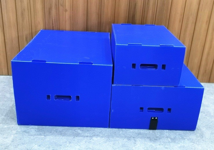 plastic reusable turnover box with lid and divider