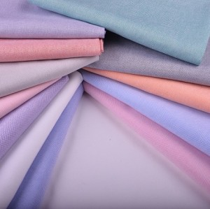 Wholesale High Quality 100% Cotton Oxford Fabrics Top Selling Fashion Clothing Shirts Fabric For Shirting