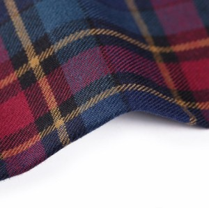 New design soft woven plain clothing fabric fashion 100% cotton check fabric for shirting