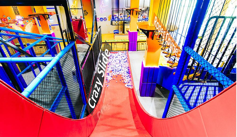 Franchise Trampoline Park crazy slide