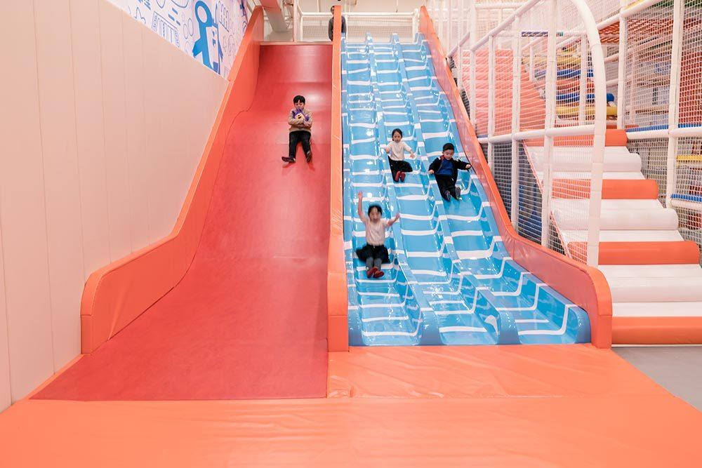 Large 3-lane Fiberglass Wave Slide (4)