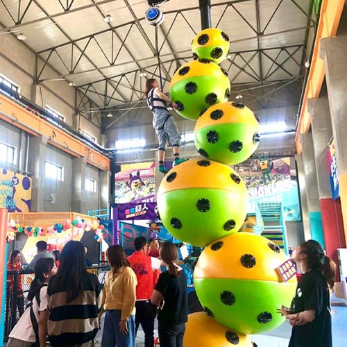 Astroball Climbing - FEC Challenge Attraction Climbing Walls