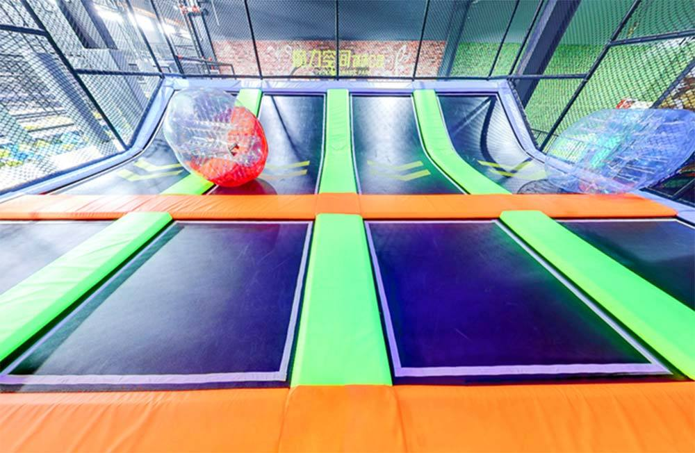 Bubble Ball Game on Dodgeball Zone