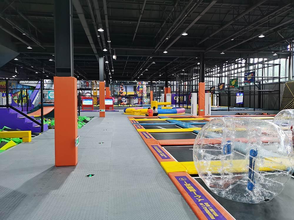 Huzhou ONE Indoor Trampoline and Adventure Park(8)