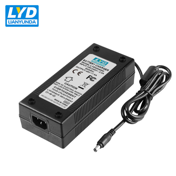 Commutateur d'alimentation C14 desktop 48v 5a power adapter