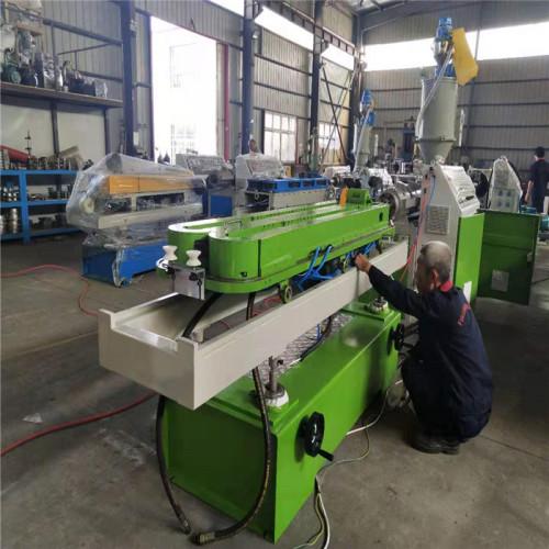 High speed single wall corrugated pipe machine