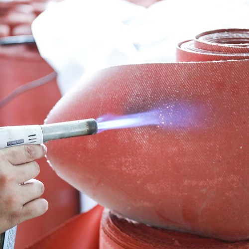 الصينية هلام السيليكا الأحمر ارتفاع درجة الحرارة حماية العزل قماش مقاوم للحريق
