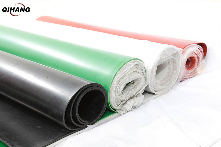 Thickness: 1-20 mm,White black red green Rubber Mat, Packaging Type: Roll