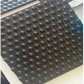 Schwarze Farbe 1220mm * 1830mm * 17mm Kuhgummimatte / Pferdestallmatte