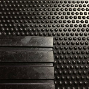 3ft.×7ft.×0.5in. Thick Rubber Stall Mat