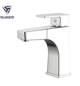 OUBAO Contemporary Bathroom Sink Faucets One Hole Single Handle with Pull out Spray