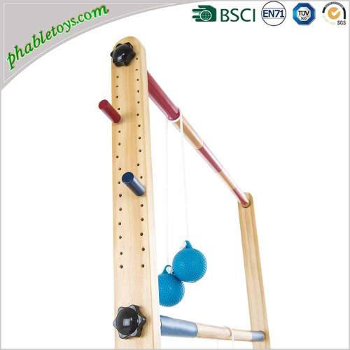 Classic Solid Wood Ladder Golf Ball Toss Game Set For Outdoor Garden Yard Lawn Games