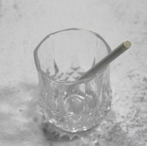 8mm FDAの注文の生物分解性の分解可能なペーパー飲料のストローの白いペーパーストロー