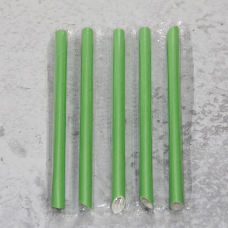 green paper straws on cake pops