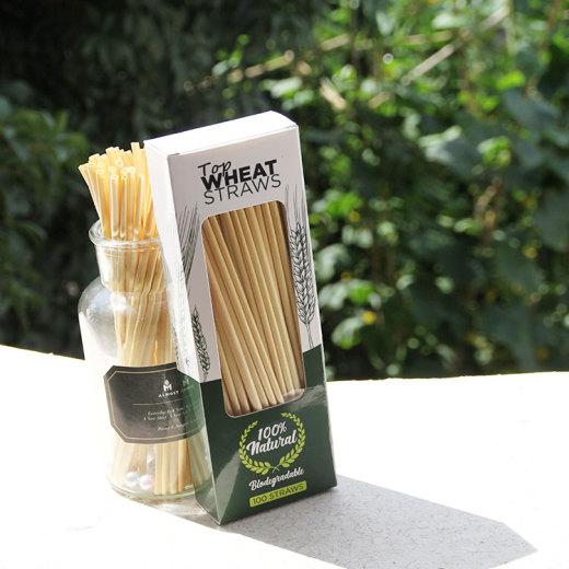 農業の発展を支援するエンタープライズイノベーションは、小麦の茎を使用してストローを作る