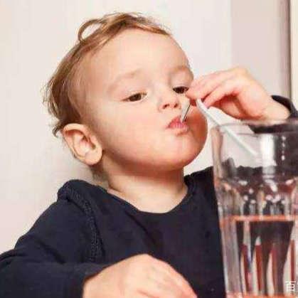 kids drinking straw