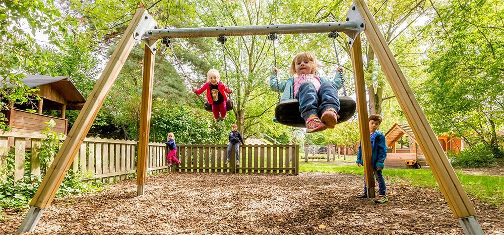 different types of swing frames and swing sets