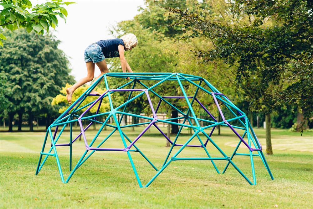 the benefits of climbing frames for children