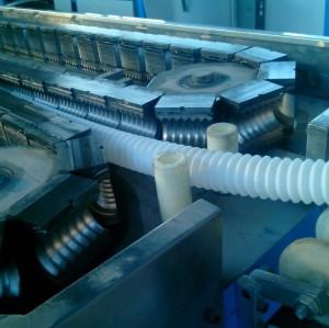 PVC / PA / PE // PP / EVA Machine d'extrusion de tuyaux ondulés télescopiques en plastique