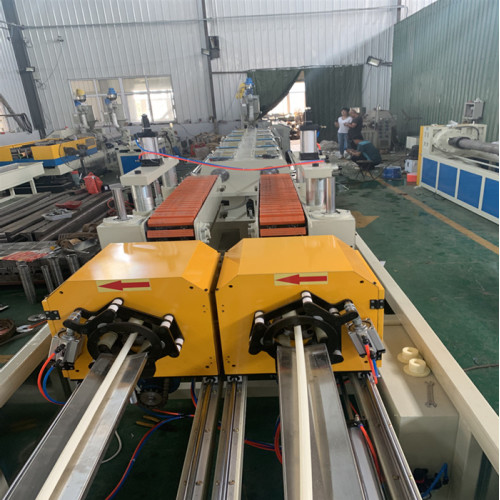 Double-extrusion ABS pipe machine